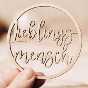 Frau Kopfkino; Geschenk; Geschenkidee; Holzdekoration; Lasercut, Anhänger, Kollegin, Arbeitskollegin, Lieblingsmensch